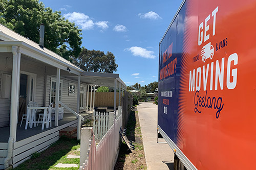 Get Moving Geelong truck at a house in Highton